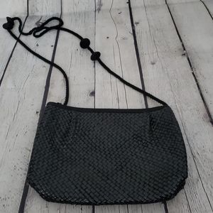VINTAGE 80'S BLACK WIVEN SHOULDER BAG